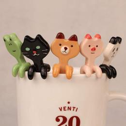 2019 cartoon scoop Cartone animato Animale Cucchiaio da appendere Ceramica Caffè Tè Salsa Cucchiaio Scoop Agitazione Panda Bear Frog Cat Cucchiaio Accessori da cucina cartoon scoop economici