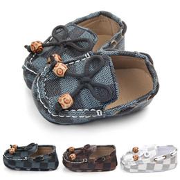 Canada Nouveau-né Bébé Filles Garçons En Cuir Crèche Chaussures Pois Chaussures Semelle Souple Infantile Premiers Marcheurs Offre