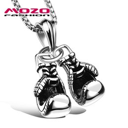 Ювелирные изделия ожерелья mens онлайн-Newest 2016 Hot  Men Stainless Steel Boxing Gloves Pendant Choker Necklace Punk Colar Trendy Mens Jewelry 3 Colors MGX1095