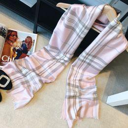 Lujo invierno bufanda de cachemira Pashmina para mujer diseñador de la  marca para hombre bufanda a cuadros caliente moda mujer imitar bufandas de  lana de ... 4f459392efd