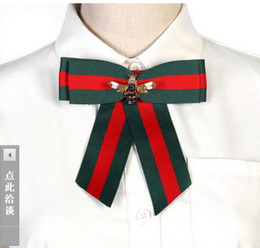 tricô sweater china Desconto I-Remiel Bowties Breastpin Veludo Pérola Pinos De Metal E Broches Jeans Acessórios Collar Decoração Terno Lapela Senhoras