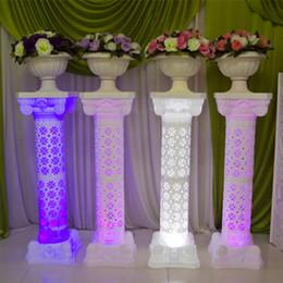 Hollow Tasarım Aydınlık Düğün Roman Sütun LED Pillar Beyaz Kırmızı Mavi Mor Parti Dekorasyon Malzemeleri için Mevcut nereden mor cadı elbisesi tedarikçiler