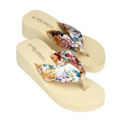 Sandalia flip flop flip flop online-Envío gratis Summer Women Shoes Bohemia sandalias de playa florales cuña plataforma tangas zapatillas Flip Flops zapatos para mujer mujer