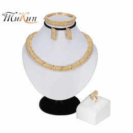 ювелирные изделия золото набор дубай оптовая Скидка MUKUN new wholesale Exquisite Dubai Jewelry Set  Gold Color Nigerian Wedding African Beads Jewelry Set Women stume Design