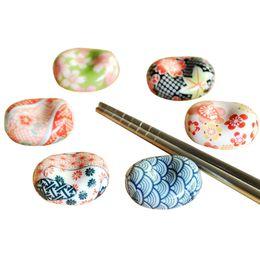 фарфоровая подставка Скидка Cute Japanese Ceramic Ware Ingots Chopsticks Stand Rack Porcelain Spoon Fork Holder Home Decoration New Drop shipping