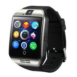 Taxas de iphone on-line-Inteligente Relógios Q18 Bluetooth Smartwatch para o telefone da Apple iPhone IOS Samsung Android com o cartão SIM slot Pulseiras relógio inteligente