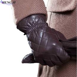 Guantes bordados online-Guantes de cuero con pantalla táctil para hombres, calidez invernal, guantes de piel de cabra decorativos y bordados, alta calidad, sin carga