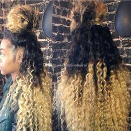 Sentetik dantel ön peruk Ucuz Peruk Afro Kinky Curl 1B / 613 # Siyah Kök Siyah Kadınlar için Ombre Sarışın Sentetik kinky kıvırcık Saç Peruk nereden