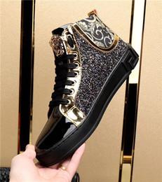 Wholesale red closed toe heels - European luxury brand metal gold medusa head diamond-encrusted leather loafer high-heeled men Designs Men Fashion Shoes Red Bottom Sneaker