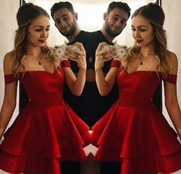 Designer Red Short Homecoming Robes Off Épaule Une Ligne Satin Mini Robes De Cocktail Occasion Spéciale Robe De Fête Custom Made Abiballkleid ? partir de fabricateur