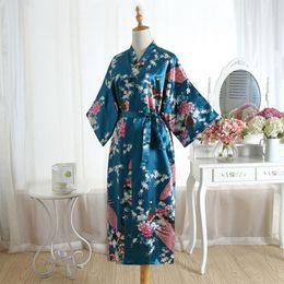 Vestidos calientes sexy chino online-Venta caliente Drak Green Chinese Ladies Silk Rayon Robe Dress Bridemaids Sexy Wedding camisón Kimono Albornoz más el tamaño