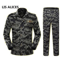 Trajes de combate negros online-LIS ALICES2018 Escudo Lang Black Hawk Hombres Traje de Camuflaje Nueva Marca Fuerzas Especiales Combat uniform Men Sets Jacket + Pants