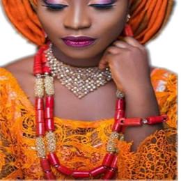 Gelin Takı Seti Gerçek Doğa Mercan Boncuk Takı Seti Kristal Altın Afrika Boncuk Nijeryalı Kolye Mücevherat Seti Ücretsiz Gemi 2018 cheap african coral beads jewelry sets nereden afrika mercan boncuk takı setleri tedarikçiler
