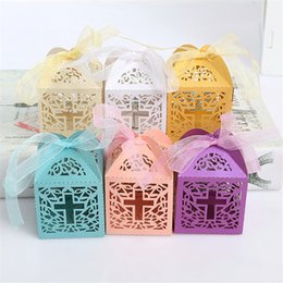 Wholesale cutting food box - 100pcs Cross Laser Cut Gift Candy Boxes Sweets Wedding Party Favor Hollow Carriage Baby Shower Favors With Ribbon Free Shipping