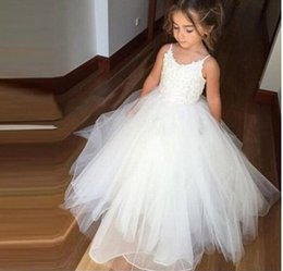 Wholesale Lovely Baby Model - Lovely Princess Ivory Lace Flower Girls Dresses Spaghetti Straps Ball Gown Tiers Skirt Tulle Gilrs Baby T Birthday Communion Dresses