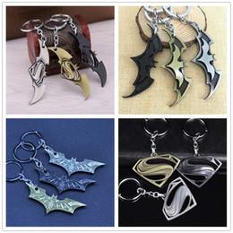 Süper Kahramanlar Batman Superman Metal Anahtar Kolye Anahtarlıklar Comic Anahtarlık Hayvan Yarasa Charms Anahtarlık Yüzükler Noel Hediyesi Hayranları Dropshipping nereden conan karikatür tedarikçiler