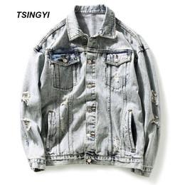Jeans blancos como la nieve online-Tsingyi bordado pato apenado Snow Wash blanco retro hombres chaqueta de mezclilla Streetwear Turn-down Collar hombres Bomber Jeans chaquetas