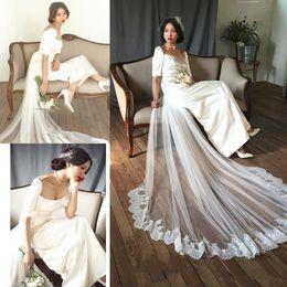 Quadratische hülle brautkleider online-Weinlese-Hochzeits-Kleid mit abnehmbarer Zug-Spitze New Square Neck Halbarm Retro Satin Mantel Brautkleider Sondergröße