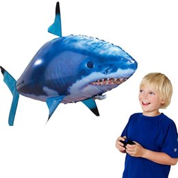 Wholesale flying shark - Funny Remote Controlled Flying Shark RC Air Swimming Fish Toys Drone RC Shark Fish Balloons Inflatable Plane Kids RC Toys Gifts