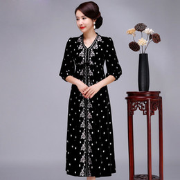 Wholesale Velvet Cheongsam - Burgundy V-Neck Chinese Women Long Dress Embroidery Flower Velvet Cheongsam Loose High Quality Plus Size 3XL 4XL Qipao