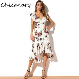langes chiffon- kleid detail Rabatt Chicanary Blumendruck Rüschen Chiffon Trompete Kleid mit Rücken Details Frauen ärmellose Bohemian lange Kleider