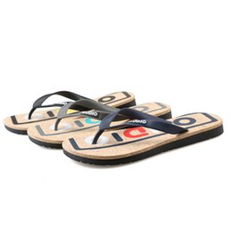 609c97b218ebad 2018 new summer men s non-slip flip-flops sandals and slippers outdoor  Europe and the United States trend beach shoes