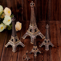 Wholesale 3d pvc keychain - 3D Paris Eiffel Tower Keychain Pendant Metal Keyring Souvenir Key Buckle Fashion Novelty Gadget Trinket Gift French Style 3 Size AAA50