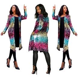 2018 moda para mujer Trench Coats para mujer de punto abierto chaqueta de lentejuelas fiesta de manga larga show largo estilo de mujer abrigo y chaqueta ropa de invierno desde fabricantes