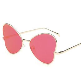 Lunettes en forme de coeur d'or en Ligne-2018 mode dames lunettes de soleil papillon lunettes de soleil en forme de coeur unique en or rose lunettes de soleil pour les femmes couleurs de bonbon sunglasse