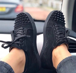 Wholesale floor cut - Designer Sneakers low cut Spikes Flats shoes Red Bottom For Men and Women Leather Sneakers Party Designer shoes