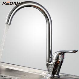 2019 ottone del cigno KEDAH Acqua calda / fredda classica rubinetto cucina Swan Design Ottone Torneira ceramica girevole Rubinetto vasca rotonda rotazione di 360 gradi KD121D sconti ottone del cigno