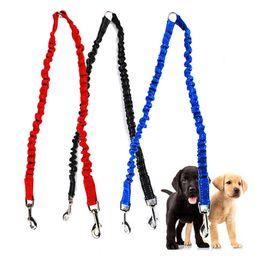 Due guinzaglio per cani online-Pet Dog Coupler Bungee Guinzaglio Doppio Camminare Lead Elastico Due Cani Guinzaglio Splitter Corda Pet Animali Accessori per cinturini a catena WX9-658