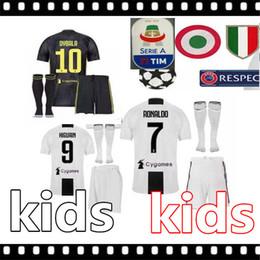 6be95c1f74 2018 2019 Jérsei de futebol de Juventus RONALDO DYBALA CRIANÇA Camisa De  Futebol 18 19 Personalizado MARCHISIO MANDZUKIC HIGUAIN camisas de futebol