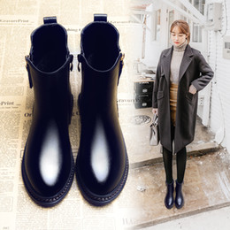 Wholesale Vintage British - Women autumn winter fashion Vintage British style flat boots lady fashion black martin boots