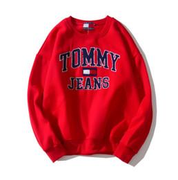 Sudaderas de fútbol de moda online-Diseñador de moda de lujo suéter de los hombres de tres caracteres de color a rayas camisetas de fútbol Palaces marca sudaderas con capucha para hombre Skateboard sudaderas