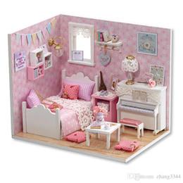 Mobili per casa di bambole Fai-da-te Miniature Miniature Miniature Case delle bambole per Natale -H015 supplier miniature wooden christmas houses da case in legno in miniatura di legno fornitori