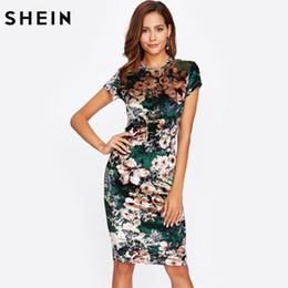 SHEIN Abito aderente in velluto a fiori verde Abito attillato donna sexy a  maniche corte Lunghezza del ginocchio Elegante matita 13d1078d379