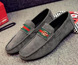Zapatos ligeros de malla para hombre online-Nuevos zapatos de hombre Malla ligera y transpirable Para hombre mujer Zapatos casuales Casual casual Zapatos de hombre Zapatos Descuentos promocionales