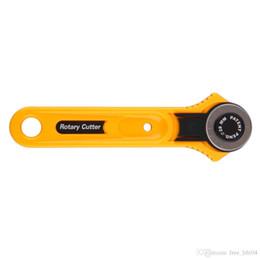 Canada 28mm chiffon rotatif cutter outil de coupe de tissu de papier de cuir bandes de vinyle couteaux rotatifs outils de couture Offre