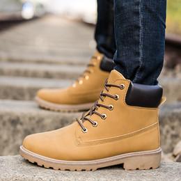 Мужская обувь 2018 новые сапоги мужчины древесины Земли обувь большой размер зима PU удобные теплые плюшевые лодыжки Мужская обувь botas hombre cheap land big от Поставщики земля большая