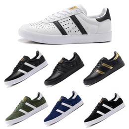 Wholesale box boy - Classic Original Clover Skateboarding Shoes Boys Mens Designer Leather Nubuck Running Shoes Outdoor Trainers Casual Skate Trainers Boxed