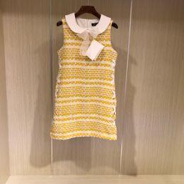 19ss chaud design de luxe marque de haute qualité femmes tweed rayé robe jupe sans manches CREW NEC style aristocratique Tweed Burst sans manches ? partir de fabricateur
