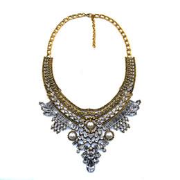 d6c7253a4c52 ashion collar PPGPGG 2019 Declaración de diamantes de imitación de la  vendimia Gargantilla de cristal Mujer Perla simulada Joyería Moda Chunky  Babero Maxi ...