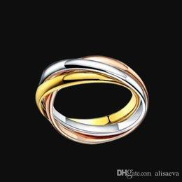 Jóias de aço de titânio atacado simples venda de três anéis de três cores anel suave homens e mulheres modelos de ouro amor casal anéis de