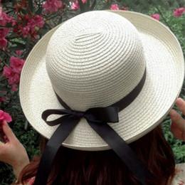 Lady Summer Boater Cappelli da sole Cap Ribbon Round Flat Top Cappello da spiaggia  di paglia Cappello Panama da donna Protezione UV Cap Chapeau Femme 2673ba95ae50