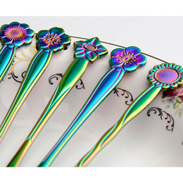 Wholesale Flower Shaped Fruit - Colorful flowers fruit fork Dazzle colour creative 5 kinds flower shaped fork Stainless steel kitchen tool YYA1146