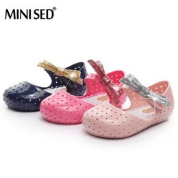 Argentina Mini Sed Bow Jelly Sandalias Zapatos para Niños Sandalias 2018 Chicas Bow Zapatos Agujero Respirable Suave Cómodo Sandalias Chicas Suministro