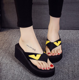 Wholesale foot clamps - Small monster slippery lady herringbone drag summer thick foot eye sandals clamp feet cool slippers heels