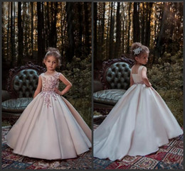 Wholesale Gold Square Beads - Blush Pink Princess Flower Girl Dresses 2018 New Lace Applique Beads Sleeveless Long Sweep Train Satin Girls Pageant Gowns Formal Wear 656