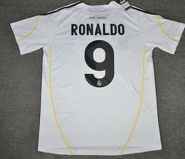 cristiano ronaldo trikots Rabatt 09 10 Real Madrid Cristiano Ronaldo Retro-Fußballtrikot Sergio Ramos v.Nistelrooy Kaka Guti.HAZ 2009 2010 Vintage Maillot Camiseta de Futbol